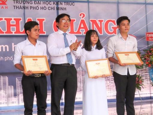 Trường Đại học Kiến trúc TP Hồ Chí Minh khai giảng năm học mới tại cơ sở Cần Thơ