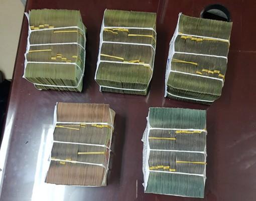 Phá đường dây đánh bạc ngàn tỉ xuyên quốc gia, bắt 9 đối tượng