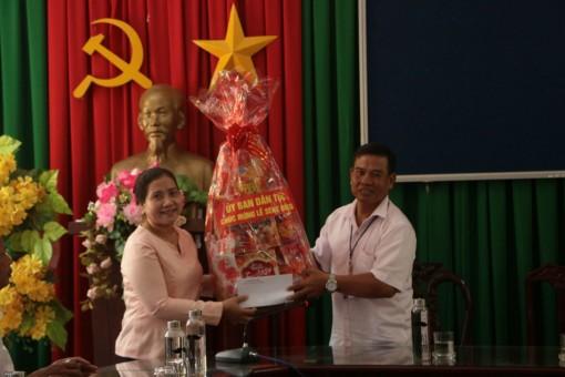 Vụ địa phương III thăm, tặng quà sư sãi và đồng bào Khmer Sóc Trăng
