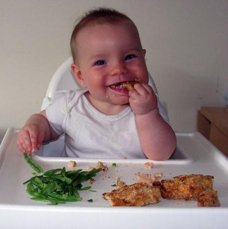 Trẻ nhỏ ăn cá béo giảm nguy cơ bị chàm và hen suyễn