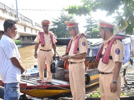 Tiếp tục thực hiện nhiều giải pháp bảo đảm trật tự an toàn giao thông