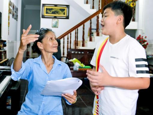 """Cậu bé miền Tây trên sân khấu """"Giọng hát Việt nhí"""""""