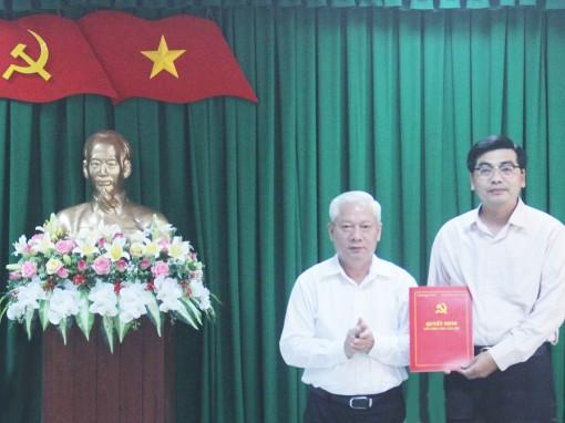 Phó Hiệu trưởng Trường Chính trị được điều động về quận Bình Thủy để bầu chức danh Chủ tịch UBND quận