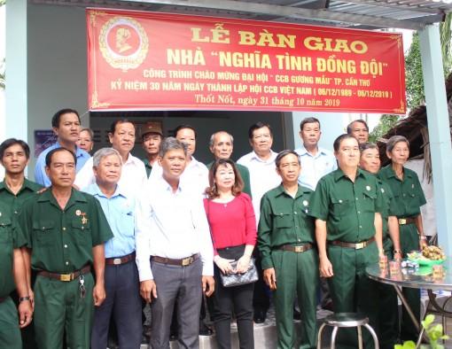 Hội Cựu chiến binh thành phố bàn giao Nhà nghĩa tình đồng đội