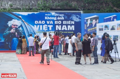 """""""Aerial view of Vietnam Coastline and Island"""" photo book launched"""