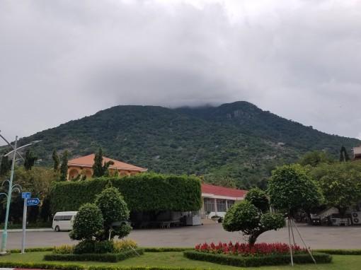Vãng cảnh núi Bà Đen