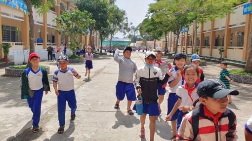 Trường học nói không với rác thải nhựa