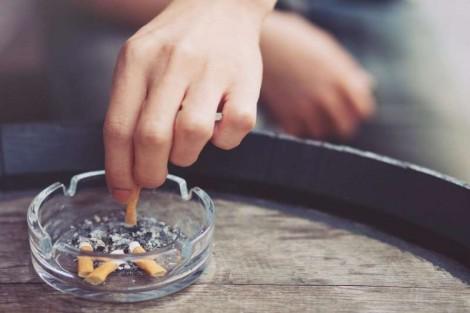 Hút thuốc làm tăng nguy cơ tâm thần phân liệt và trầm cảm