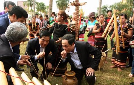 Tái hiện nét sinh hoạt cộng đồng qua Tuần Đại đoàn kết các dân tộc