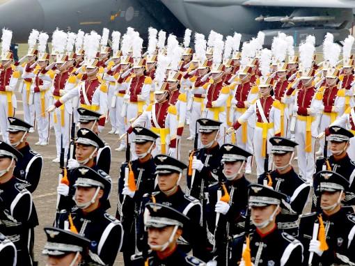 Hàn Quốc lo thiếu người đi lính
