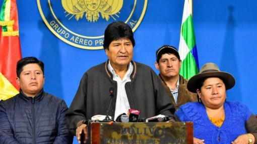"""Sóng gió bầu cử """"thổi bay"""" ghế Tổng thống Bolivia"""