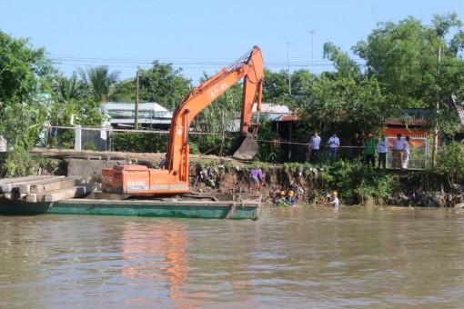 Ứng phó khi sông thiếu nước, phù sa phục vụ sản xuất