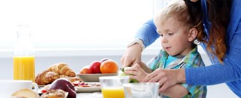 Chế độ dinh dưỡng cho trẻ tự kỷ