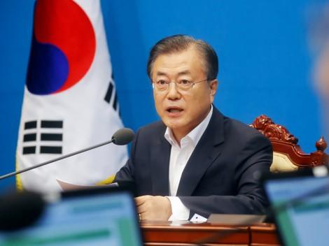 Nửa nhiệm kỳ thăng trầm  của Tổng thống Hàn Quốc