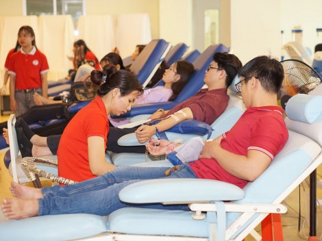 Vận động trên 1.000 đơn vị máu cấp cứu, điều trị bệnh