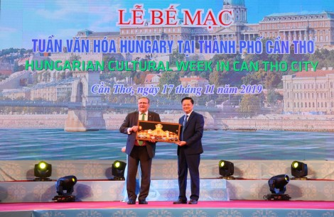 Khoảng 6.000 lượt khách tham quan Tuần lễ Văn hóa Hungary tại Cần Thơ
