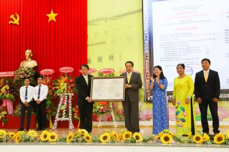 Trường ĐH Trà Vinh đạt chuẩn kiểm định chất lượng cơ sở giáo dục theo bộ tiêu chí mới