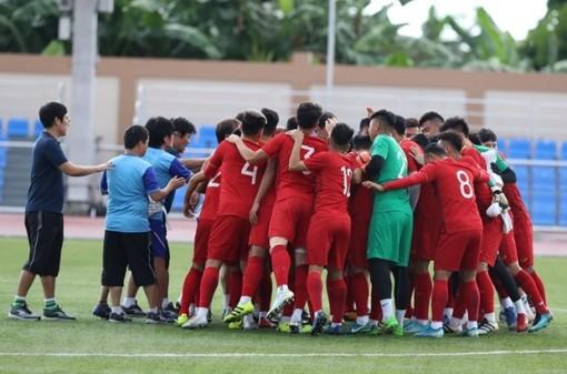 """Bóng đá nam Việt Nam bắt đầu chinh phục """"giấc mơ vàng"""" SEA Games"""