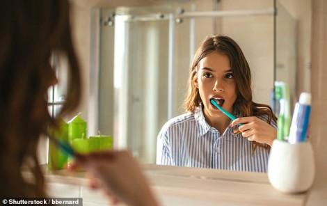 Đánh răng 3 lần/ngày giúp giảm nguy cơ suy tim