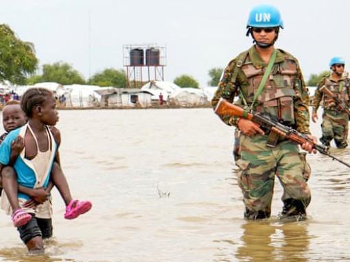 """Lực lượng """"mũ nồi xanh"""" ngăn chặn xung đột sắc tộc ở Nam Sudan"""