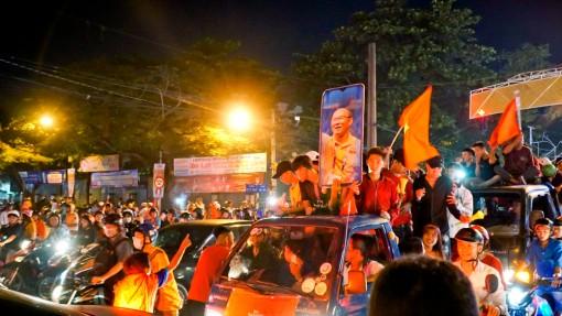 Cần Thơ đêm không ngủ mừng U22 Việt Nam vô địch SEA Games