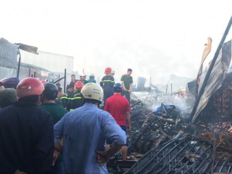 Cà Mau: Cháy 11 căn nhà, một người thiệt mạng