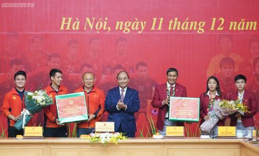 Thủ tướng gặp mặt đội tuyển bóng đá Việt Nam