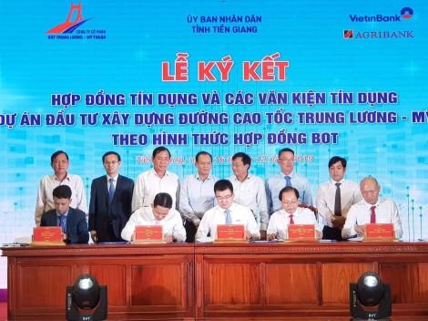 Ký kết hợp đồng tín dụng cho Dự án cao tốc Trung Lương - Mỹ Thuận