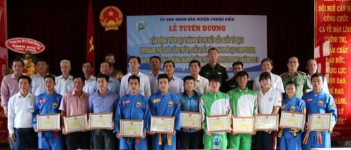 Huyện Phong Điền khen thưởng hơn 50 triệu đồng cho các VĐV đoạt huy chương quốc tế