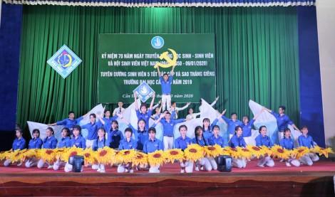 Đại học Cần Thơ kỷ niệm ngày truyền thống học sinh, sinh viên