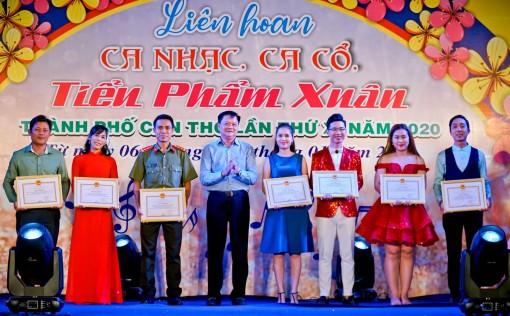 72 tiết mục đoạt giải Liên hoan Ca nhạc, ca cổ, tiểu phẩm Xuân