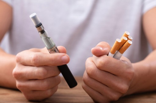 Hút thuốc loại nào cũng dễ bị đột quỵ