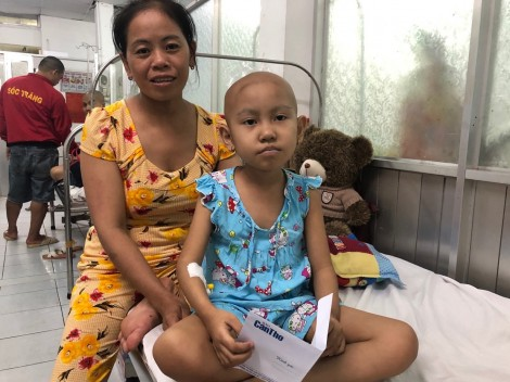 Bạn đọc giúp bé Trinh bị ung thư buồng trứng