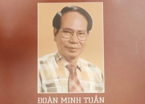 Nhà văn Đoàn Minh Tuấn - Người bắc một nhịp cầu từ quá khứ