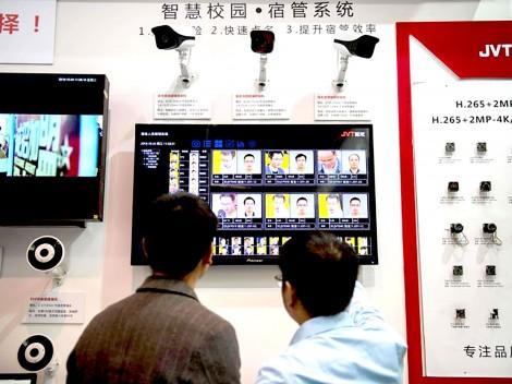 Trung Quốc: Hơn 10.000 người tìm được gia đình nhờ công nghệ nhận diện khuôn mặt