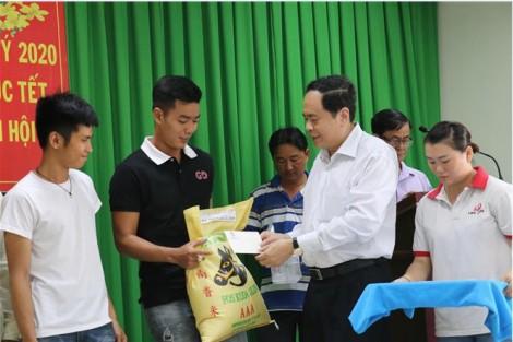 Chủ tịch Ủy ban Trung ương MTTQ Việt Nam Trần Thanh Mẫn thăm, tặng quà, chúc Tết  tại Cần Thơ