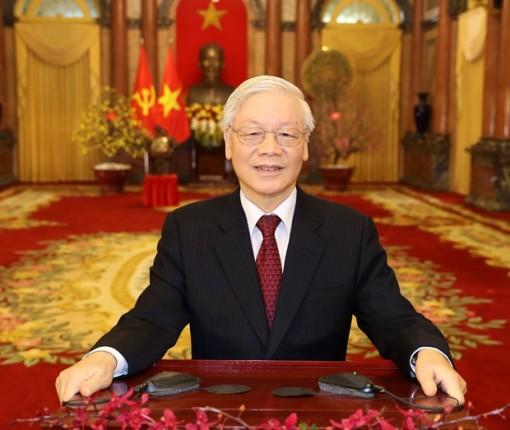 Top leader offers Tet greetings