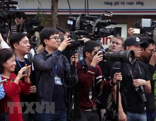 Bồi dưỡng lý luận chính trị cho các nhà báo để nâng cao hiệu quả đấu tranh phản bác các quan điểm sai trái, thù địch