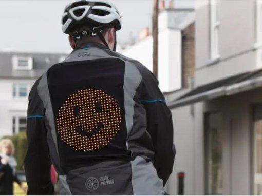 """""""Áo khoác Emoji"""" tăng cường an toàn cho người đi xe đạp"""