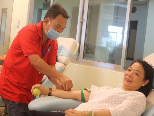 Cần Thơ: Những giọt máu hồng quý giá giữa mùa dịch Corona