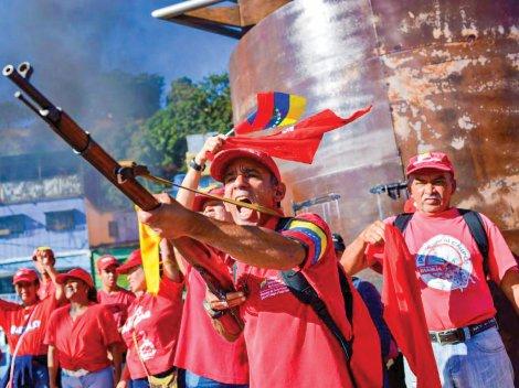 Venezuela rầm rộ tập trận