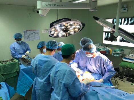 Phẫu thuật thành công cho bệnh nhân đa tổn thương hiếm gặp