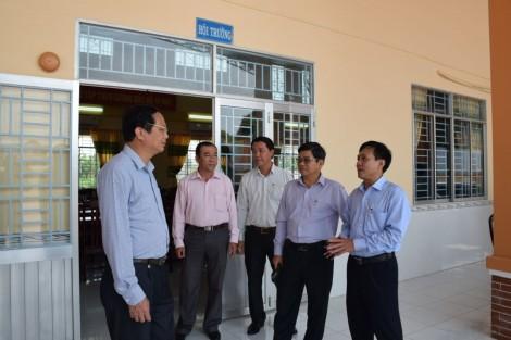 Đoàn công tác Trung ương khảo sát xây dựng nông thôn mới huyện Thới Lai, Cờ Đỏ
