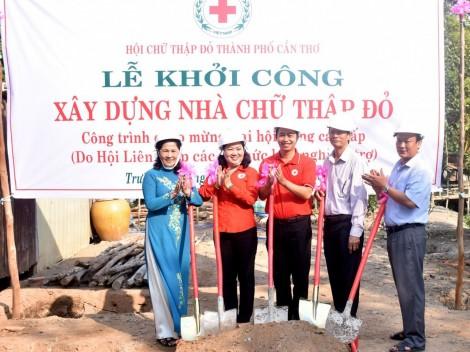 Khởi công xây dựng nhà Chữ thập đỏ  cho hộ nghèo