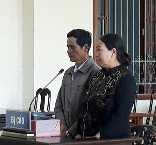 Chống người thi hành công vụ, vợ chồng cùng lãnh án