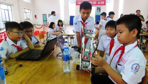 Đẩy mạnh thực hiện STEM - Khoa học máy tính bậc tiểu học