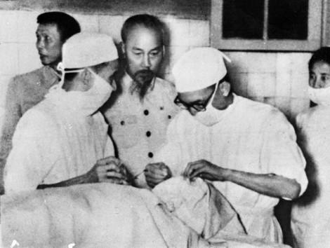 65 năm Ngày Thầy thuốc Việt Nam: Tư tưởng Hồ Chí Minh về y đức
