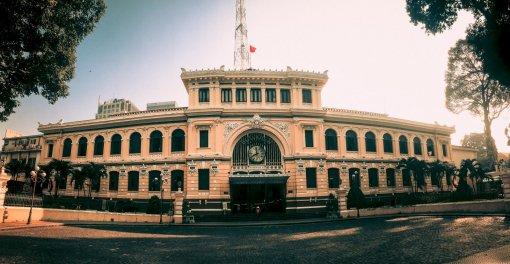 Khám phá Bưu điện gần 130 năm tuổi ở TP Hồ Chí Minh