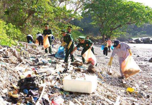 Chung tay bảo vệ môi trường biển