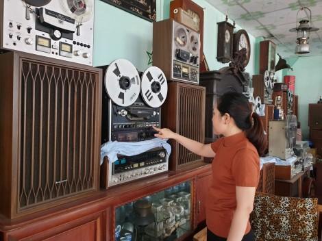 Bộ sưu tập máy nghe nhạc xưa độc đáo tại miền Tây
